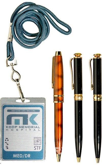 Koop Memorial Hospital Badge & Pen set