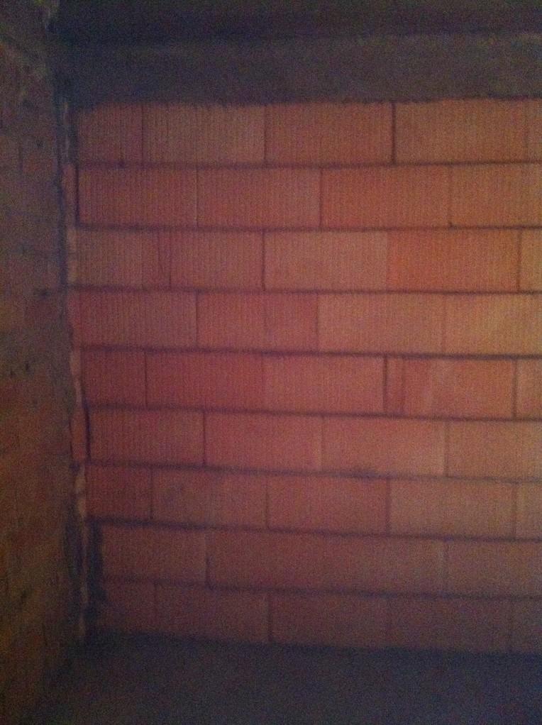 Mauerwerk mit Haftgrundierung