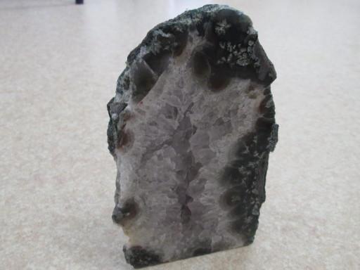 ☆アメジスト原石(ブラジル産) 1367g ¥4,400