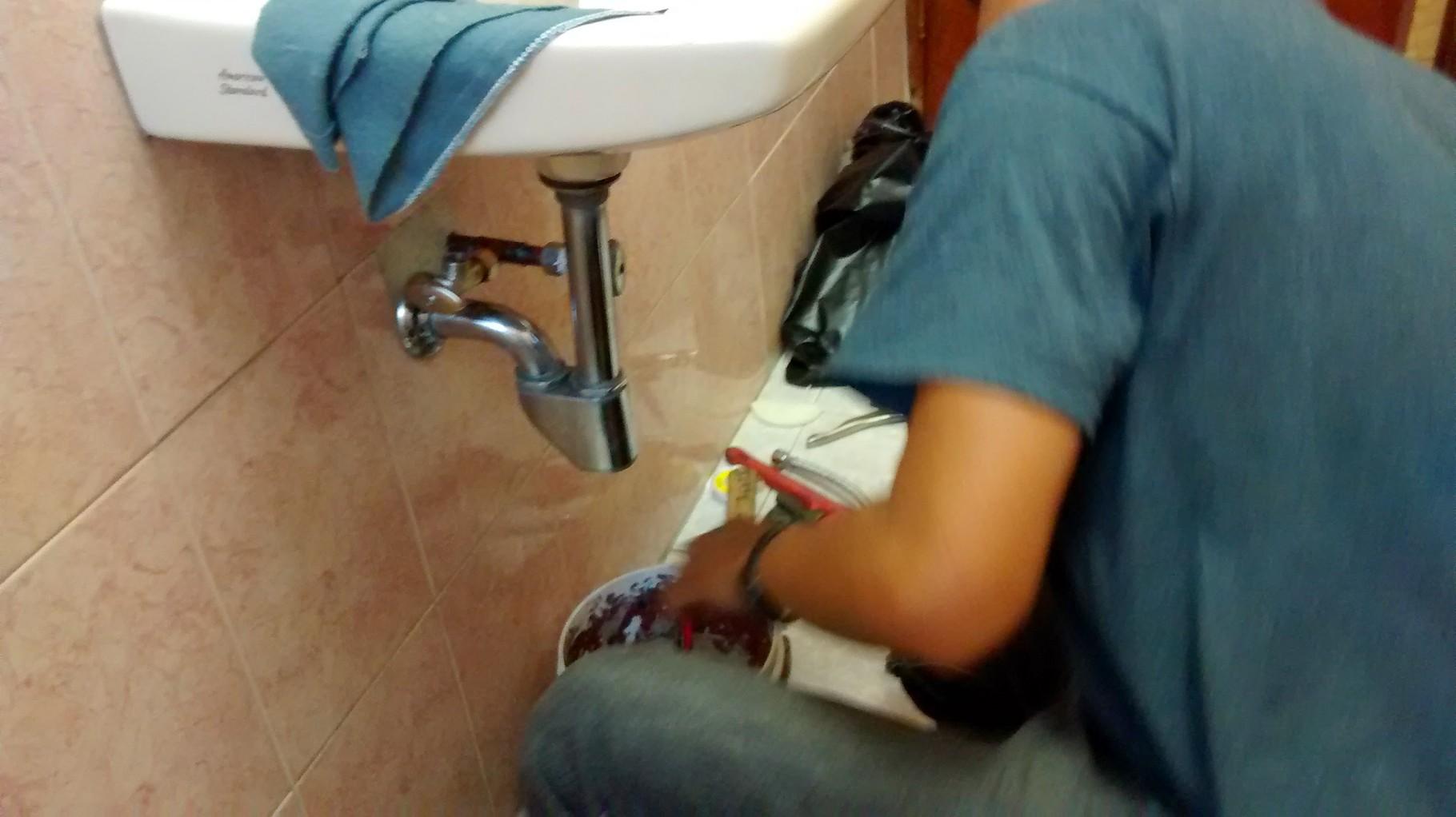 Mantenimiento a lavabos