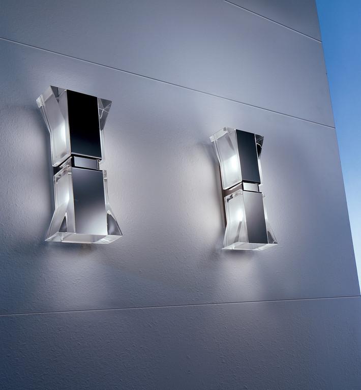 Borg Px2 - Wandleuchte, von Otylight - stahl poliert, Kristall klar,