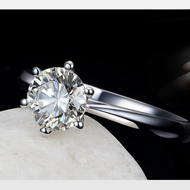 なぜ婚約指輪は給料の3か月分といわれるようになったのか?真相は