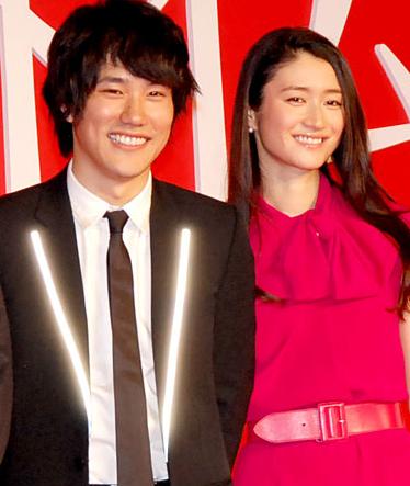 松山ケンイチ&小雪 夫妻