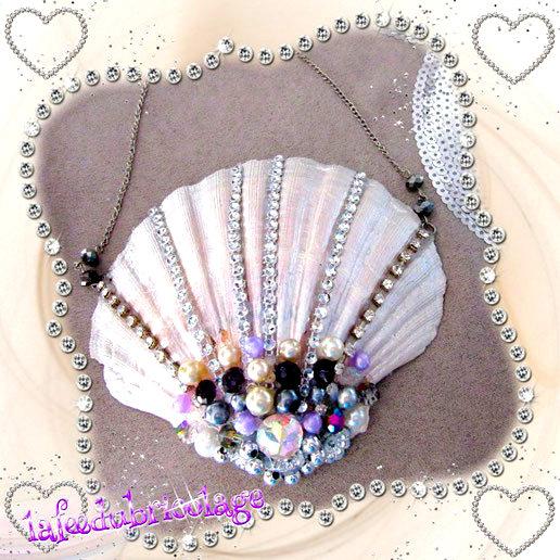 Coquillage relooké de strass et de perles