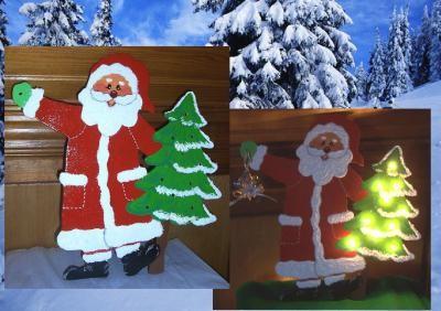 Père Noel en bois et son sapin lumineux