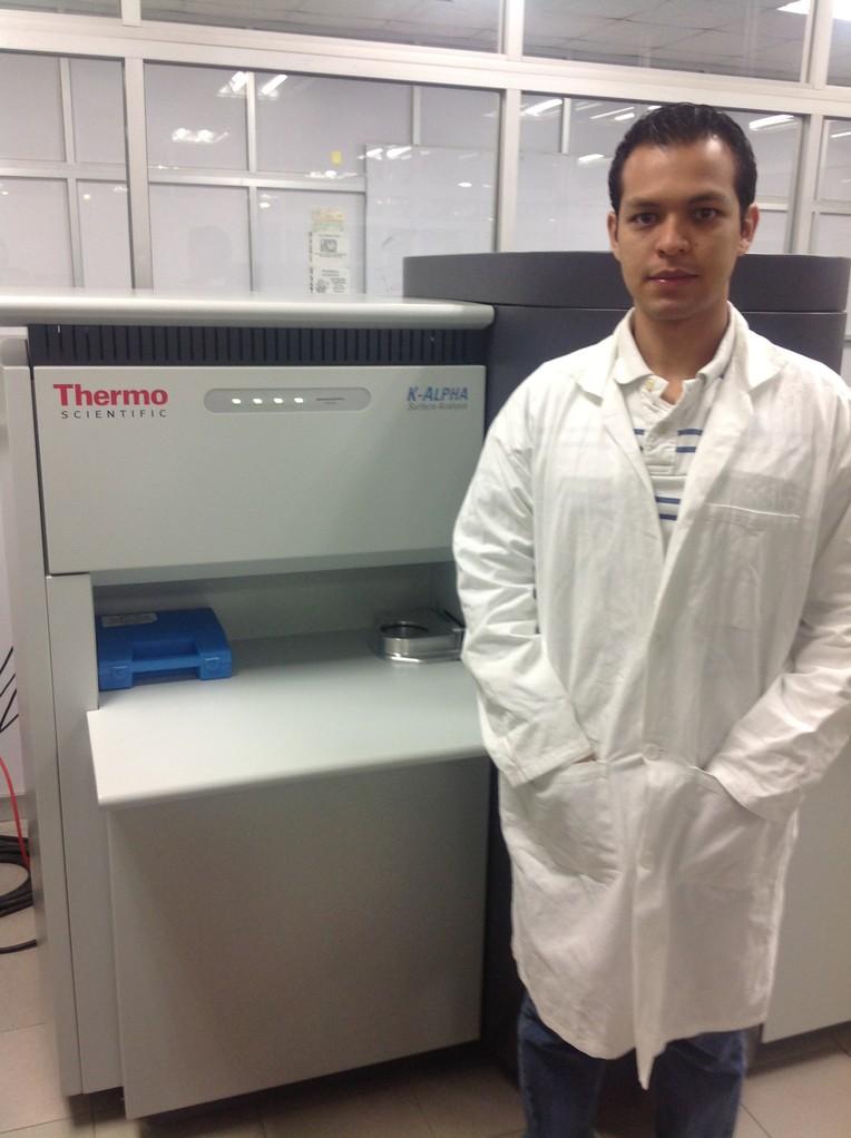 Student of PhD, Mr. Ernesto. Laboratory FIME UANL