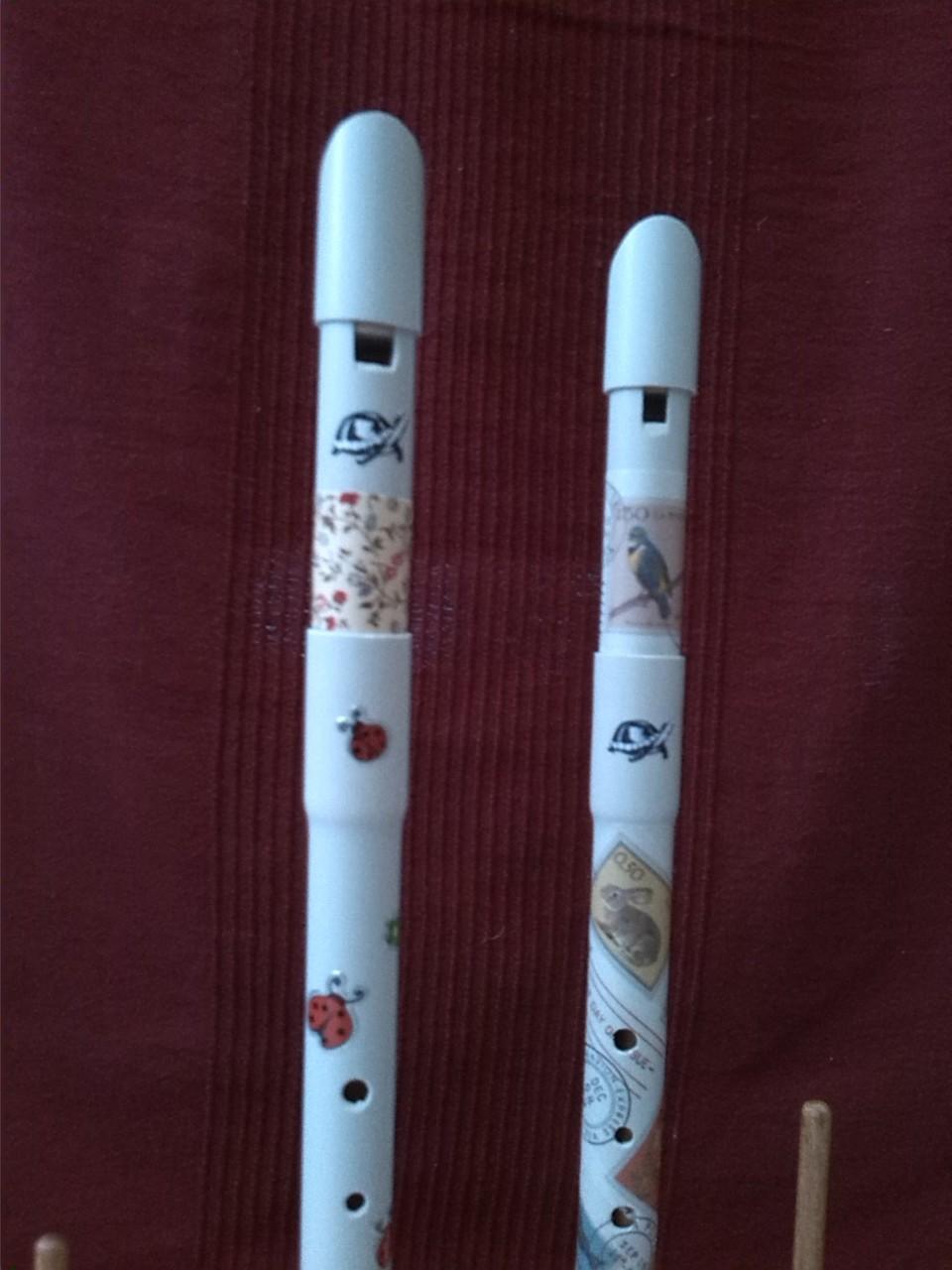détails des flûtes petites menottes