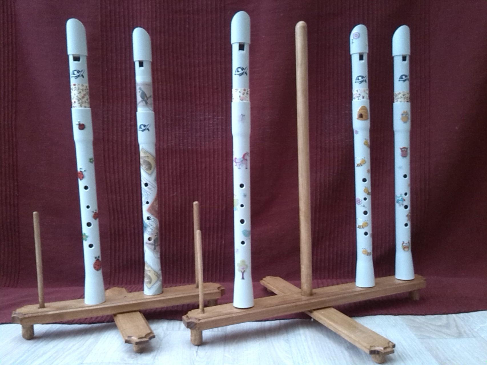 """Les flûtes """"petites menottes"""" à quatre trous"""