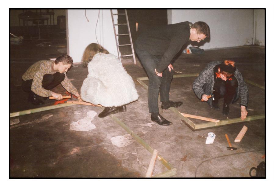 1989 Vorbereitungen Ausstellung von SELEKTION OPTIK im V2, s'Hertogenbosch (NL) © A. Wollscheid
