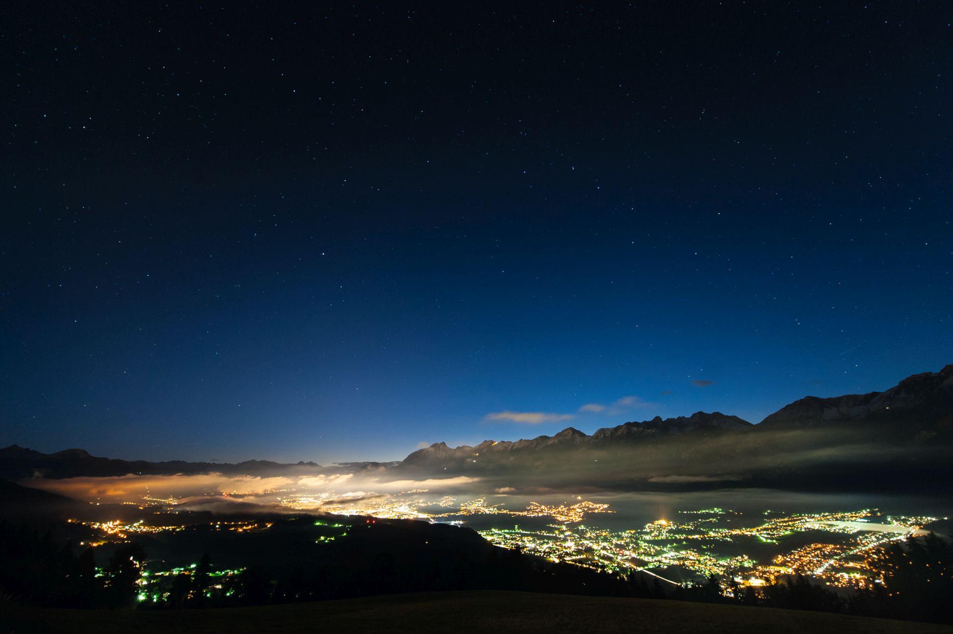 Und das Inntal bei Nacht.  (Foto: Innsbruck Tourismus/Christoph Malin)