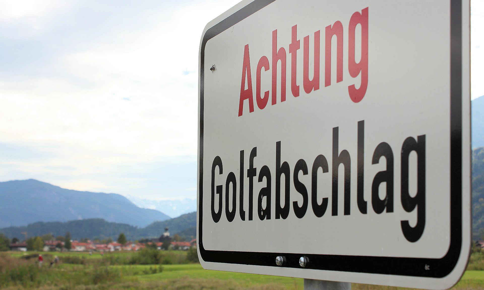 Kann ja auch ganz schön wehtun! Gesehen im Golfresort Achental (Foto: Stephan Schöttl/alpengolfer.de)