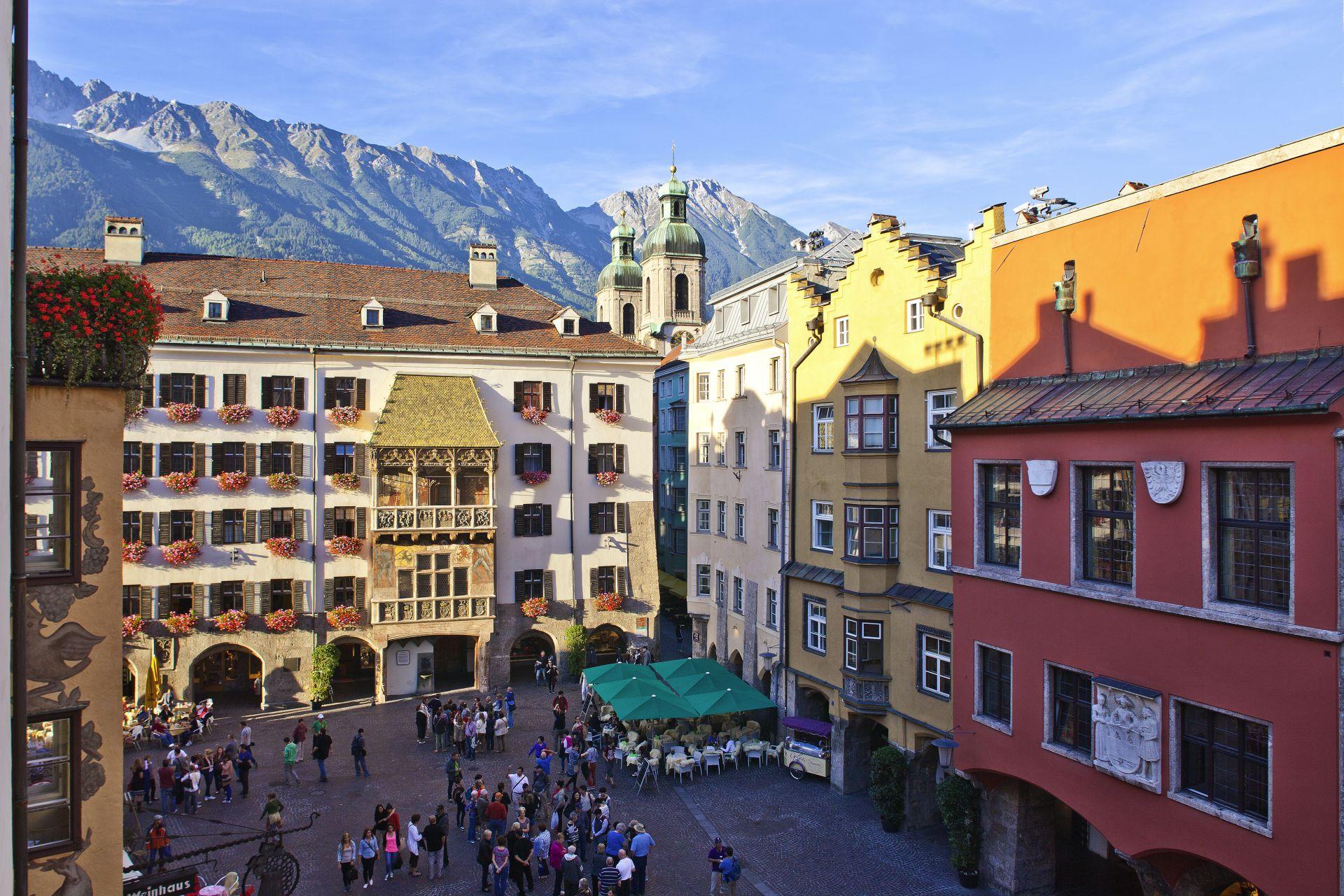 Das Goldene Dachl ist die beliebteste Sehenswürdigkeit Innsbrucks. (Foto: Innsbruck Tourismus/Christof Lackner)