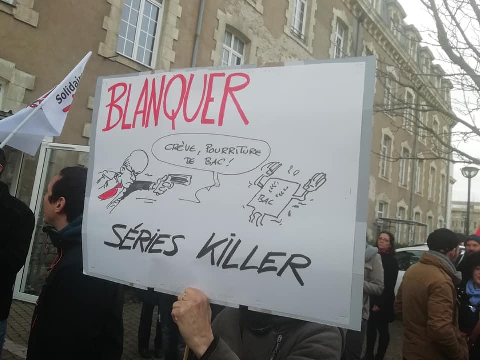 Rassemblement devant la DSDEN le 24 janvier