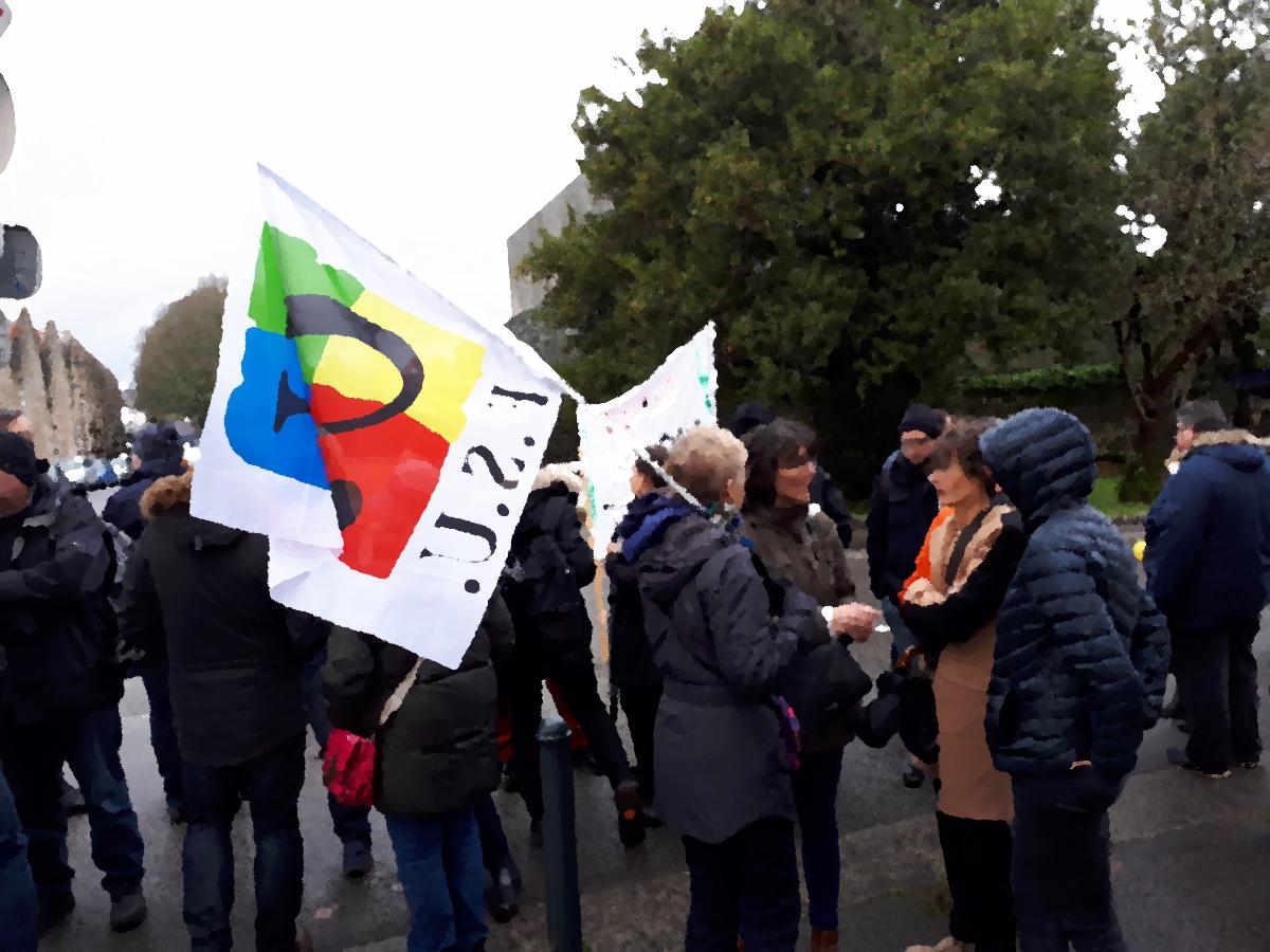 Rassemblement des personnels et élèves devant le Rectorat - 19/12/18