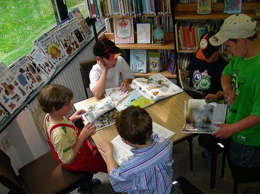 Sturm im Bullerbachtal - Besuch der Bücherei