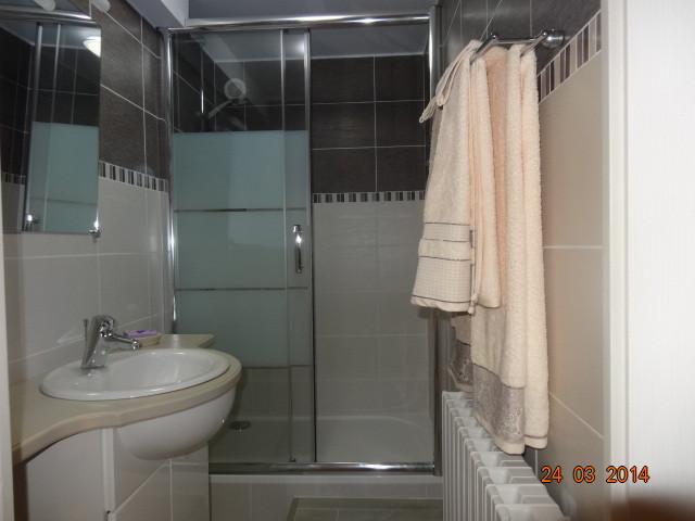 salle d'eau de la chambre N°3 et sa suite