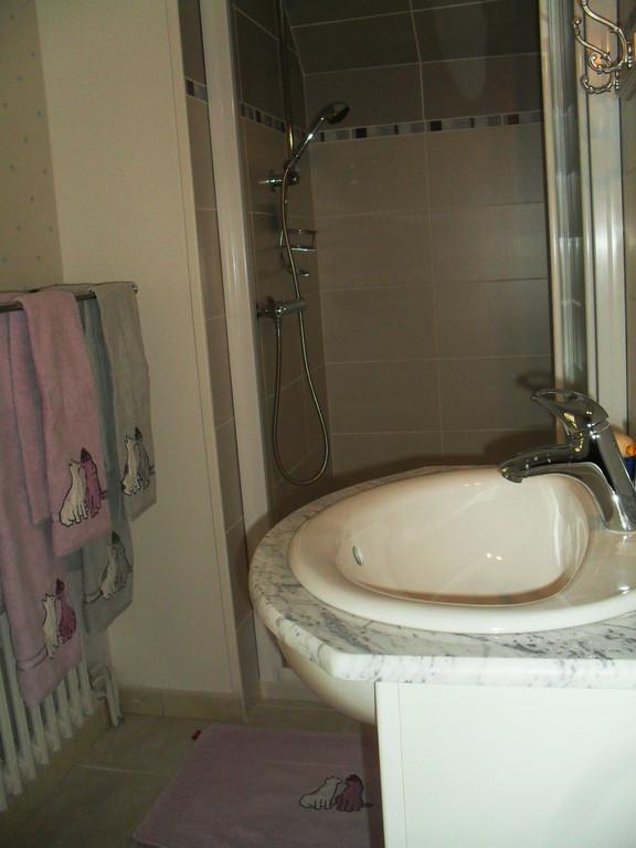 salle d'eau W.C.privatif  indépendant de la salle d'eau