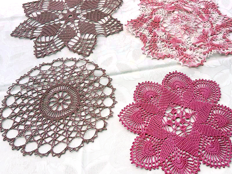 Deckchen werden in unterschiedlichen Formen gehäkelt.