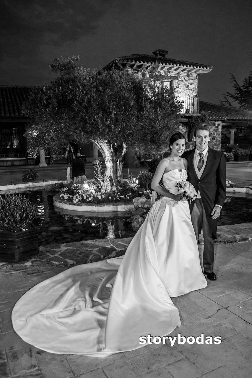 storybodas Fotos de pose novios boda 2