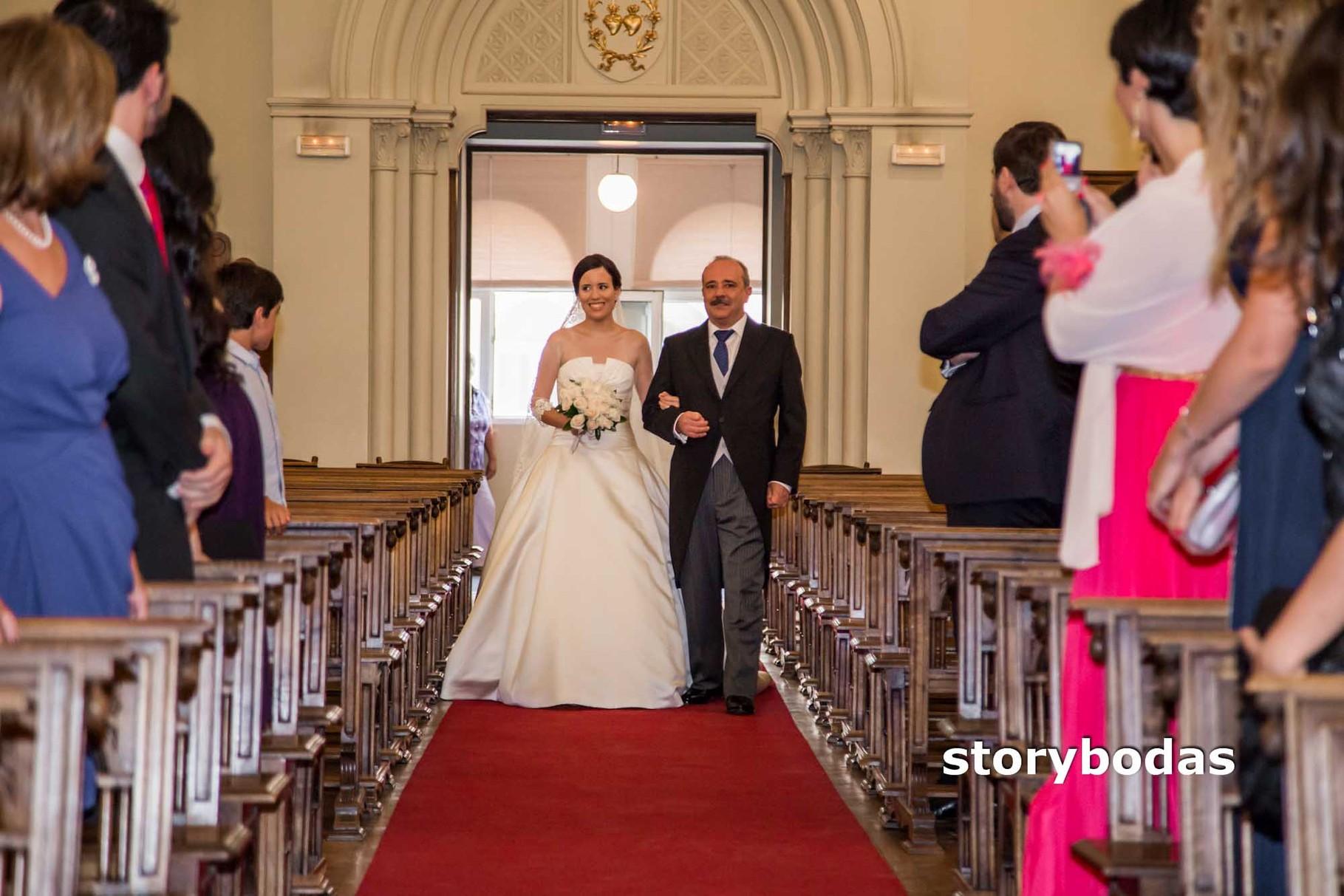 storybodas Llega la novia a la Ceremonia