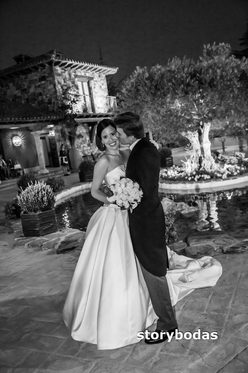 storybodas Fotos de pose novios boda 3