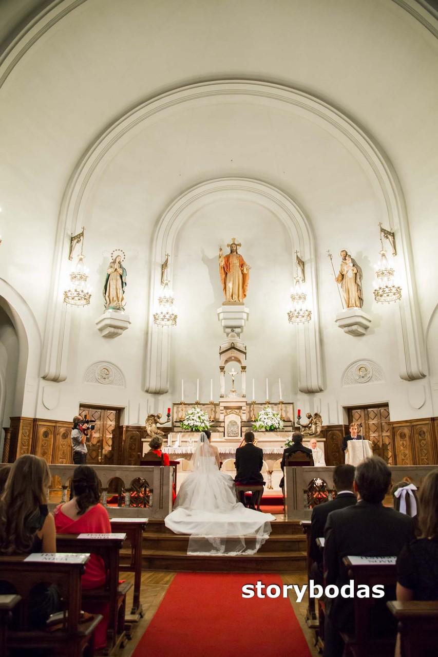 storybodas Detalles de la Iglesia durante el Matrimonio