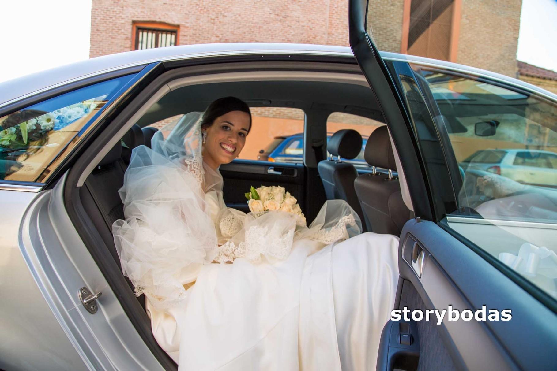 storybodas Novia y coche