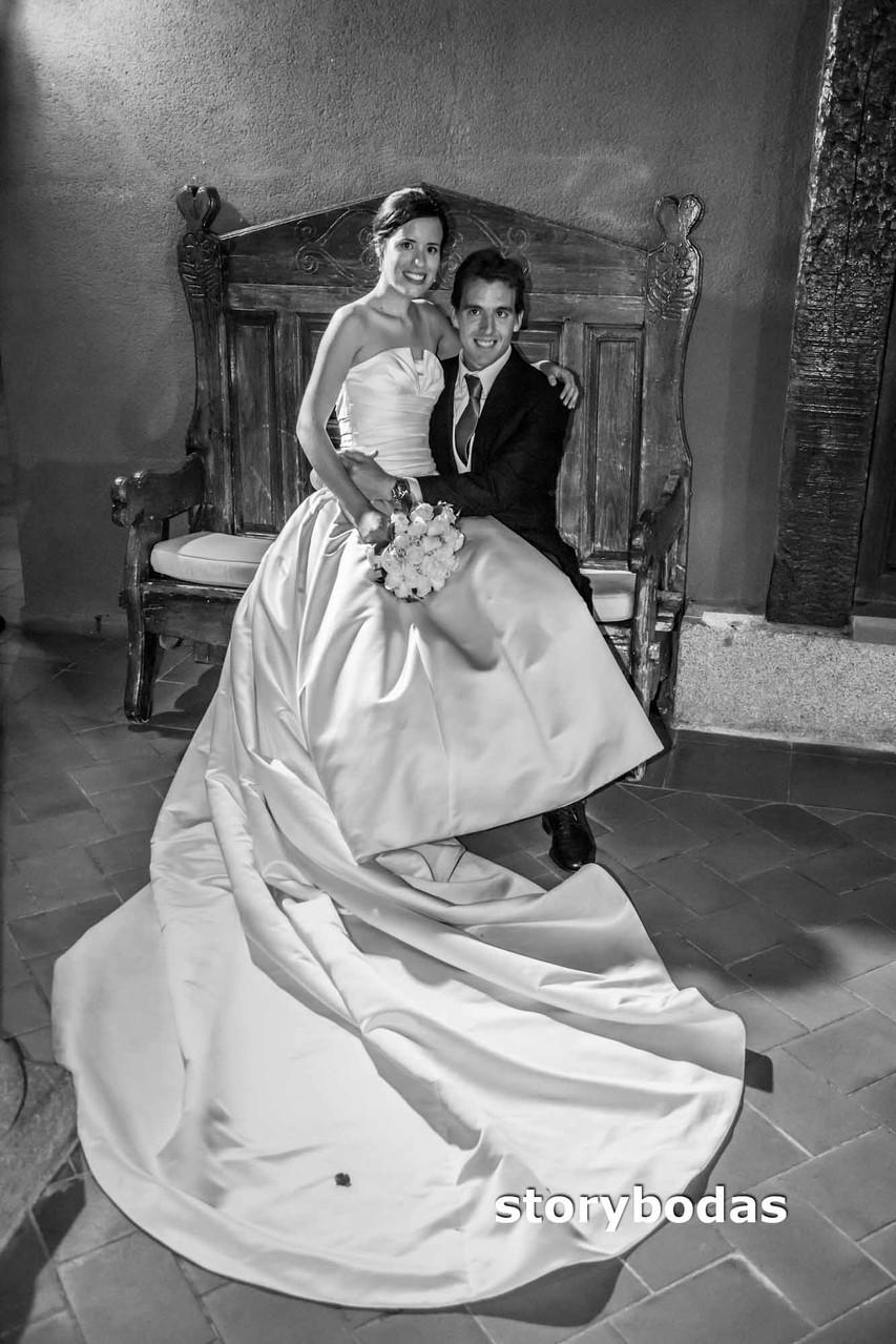 storybodas Fotos de pose novios boda 8