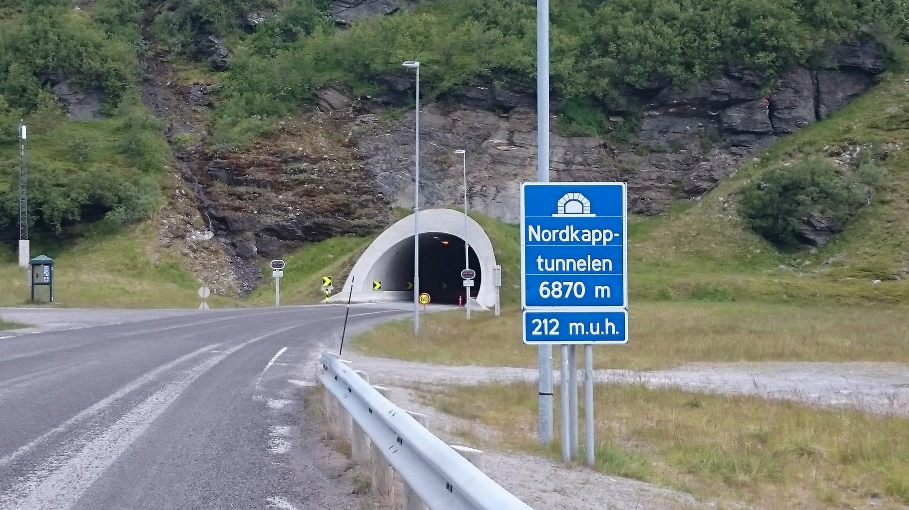 Das nennen wir wirklich einen langen Tunnel, dunkel und kalt ist es dort drinnen