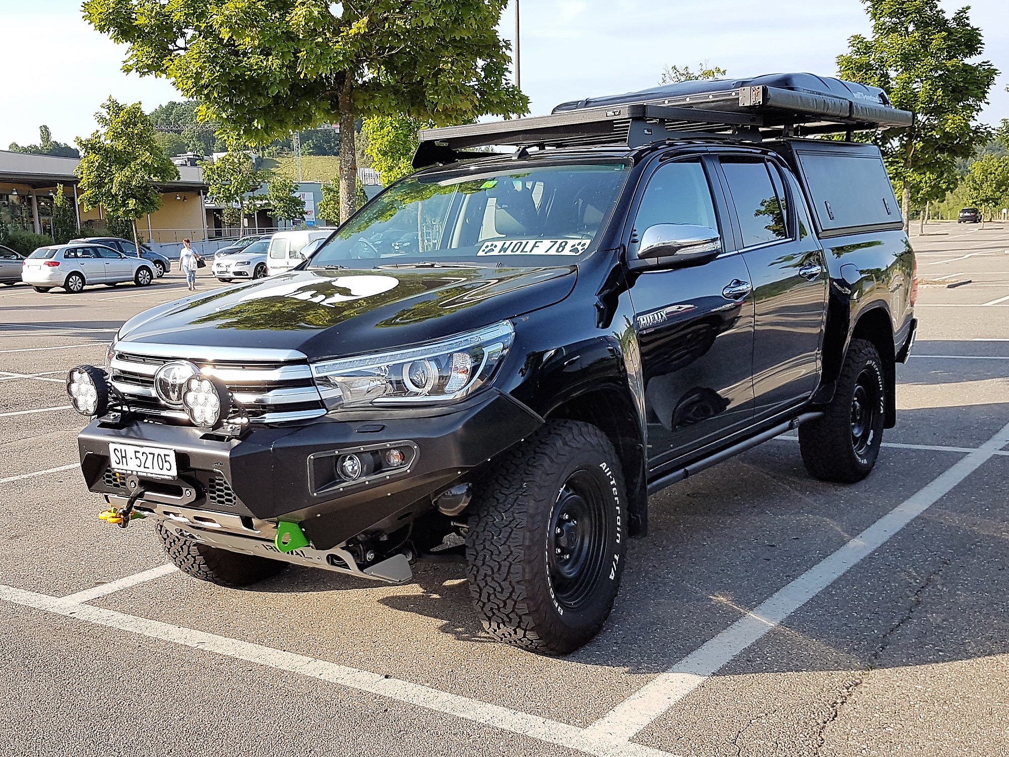 Toyota Hilux Revo AFN Front bumper Steel Stahlstossstange 2017 2.4 Blackwolf Alucab offroad tires overland expedition 4x4 ARB Frontrunner Horntools Winch Rival4x4 James Baroude Discovery Awining Markise bfgoodrich 265/70R17 TJM Sknorkel wolf78-overland.ch