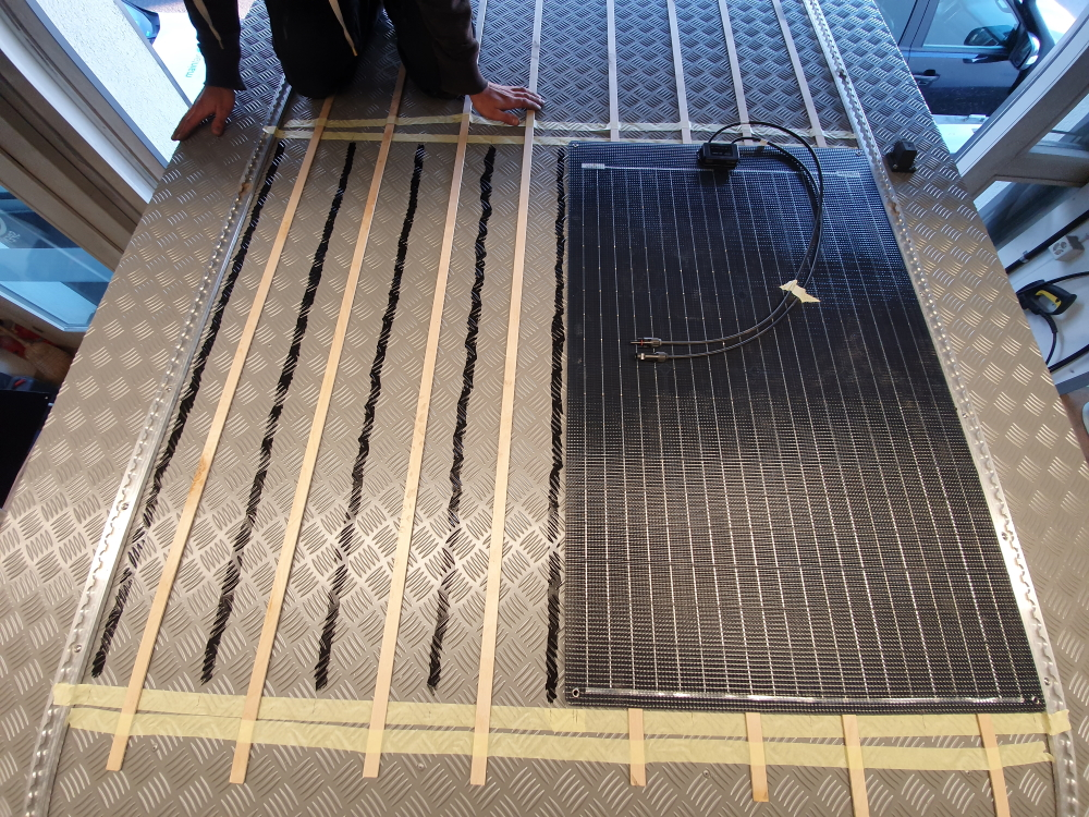 Offgridtec ETFE-AL 120W 12V semiflexibles Solarmodul off road overland Vanlife Wohnmobil Bus #Projektblackwolf