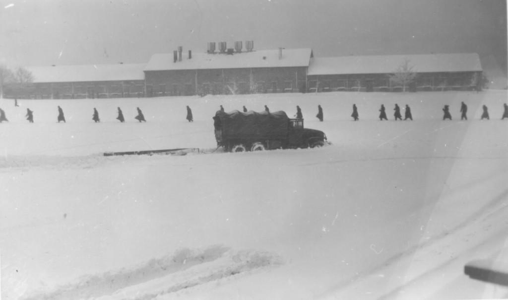 Kaserne Ratz im Schnee versunken am 2. Mai 1953