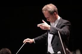 Director de la Orquesta Sinfónica Nacional de México.  El maestro Carlos Prieto.