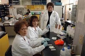Investigadora en el Departamento de microbiología y parasitología de la Facultad de medicina UNAM.  M. En C. Margarita Cabrera Bravo.