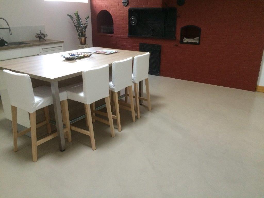 mortier fin liss beton cire bordeaux plafonds tendus. Black Bedroom Furniture Sets. Home Design Ideas