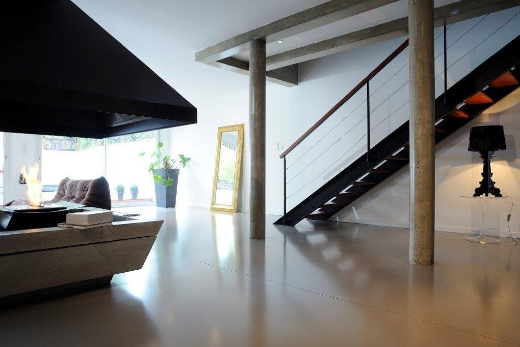 beton cire beton cire bordeaux plafonds tendus chapes fluides. Black Bedroom Furniture Sets. Home Design Ideas