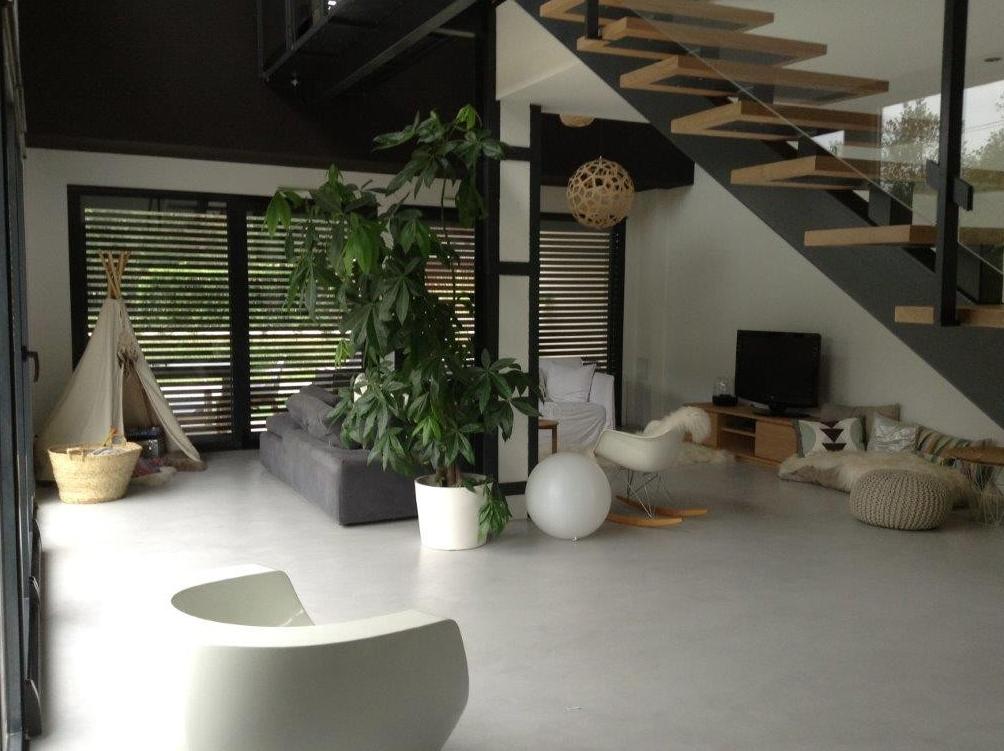 mortier fin liss beton cire bordeaux plafonds tendus chapes fluides. Black Bedroom Furniture Sets. Home Design Ideas