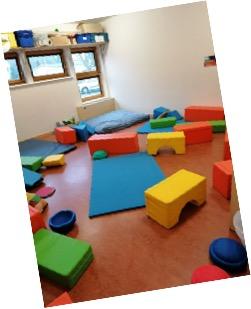 Differenzierungsraum, z. B für Bewegung und Entspannung in Kleingruppen