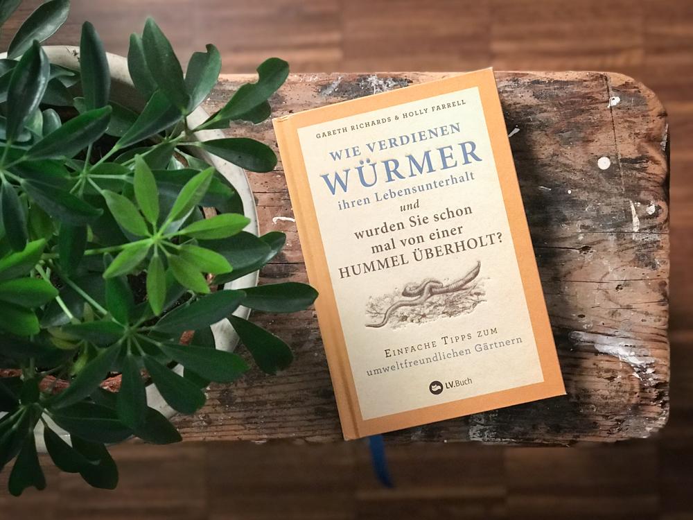 """Toller Buchtitel """"Wie verdienen Würmer ihren Lebensunterhalt"""""""
