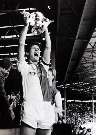 Blackburn Rovers; Full Members Cup; Glenn Keeley