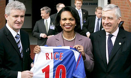 L-R: Manager Hughes, US Secretary Of State Rice and Foreign Secretary Straw