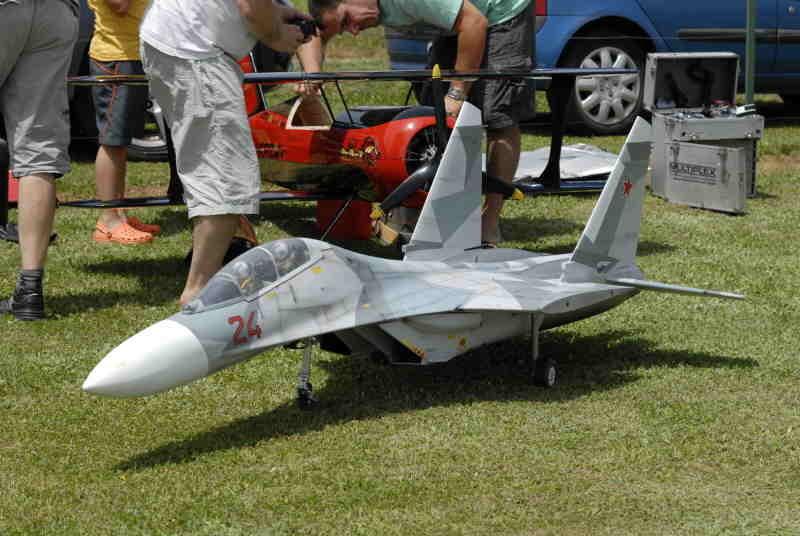 Sukoi 27 (2x12 kg de poussée !)