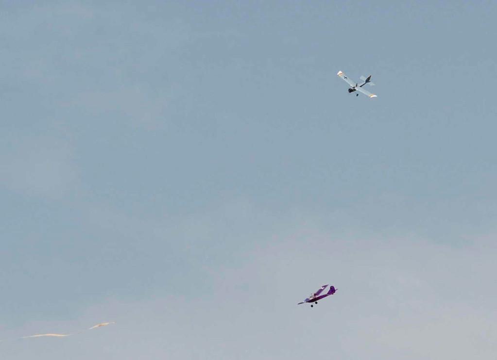 de supériorité aérienne du Minibaron sur le chasseur de Jacques !