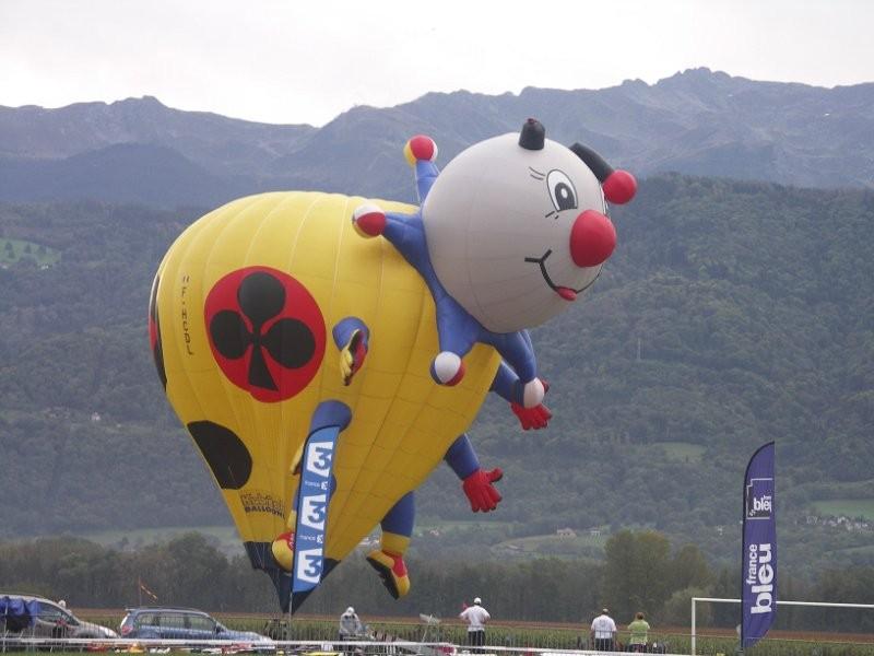 Les modélistes ont vu les montgolfières de près !
