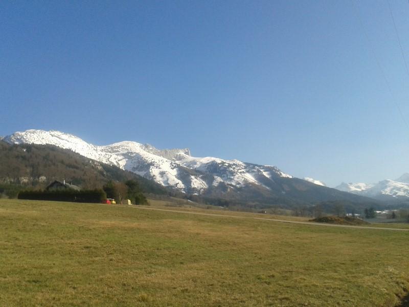 Il y a encore de la neige sur les sommets