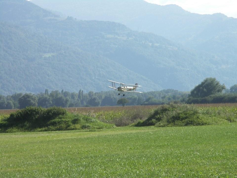 Le Tiger Moth en vol ...
