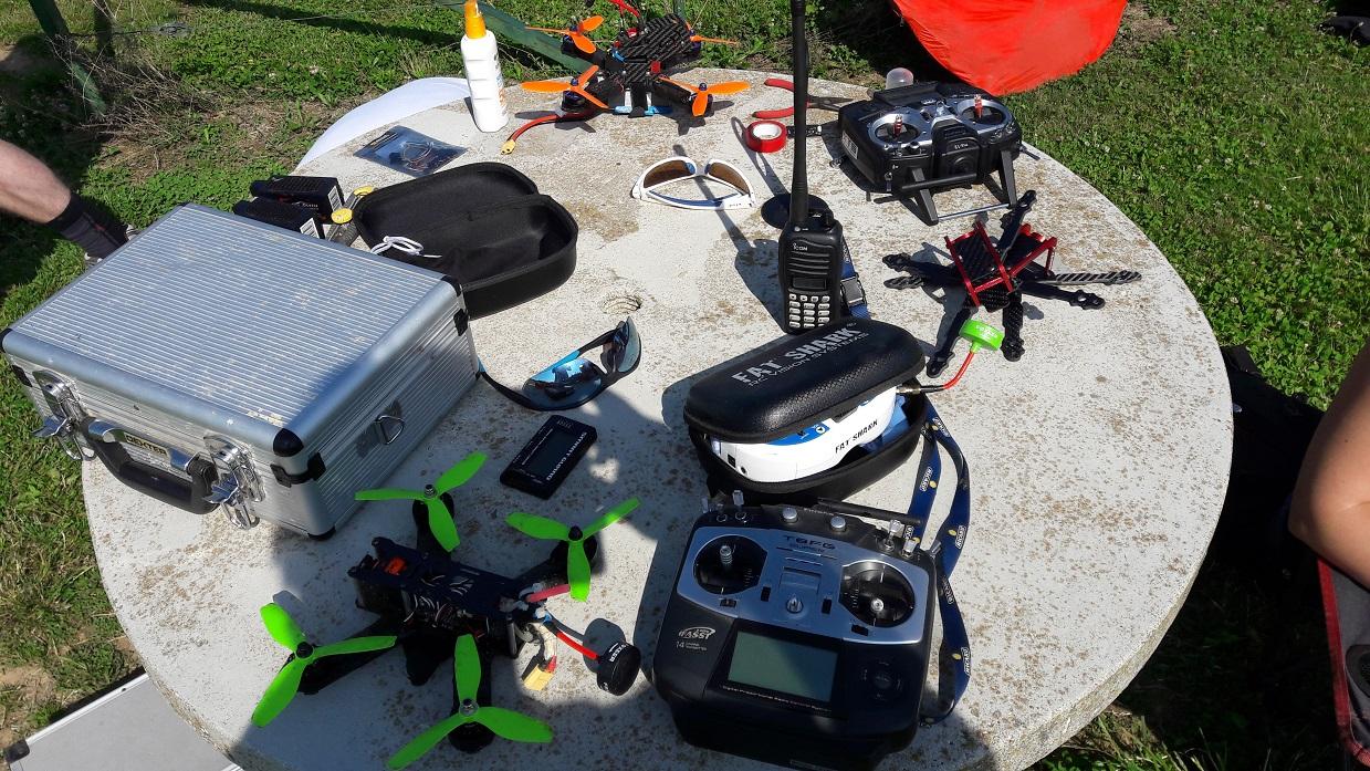 Le matériel : Quad, télécommande, lunette...