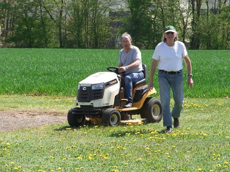 Un président heureux : il a trouvé un jardinier !