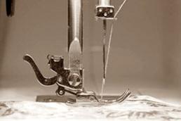 富山市オーダースーツ専門店 型紙を作り 縫製をしていきます。