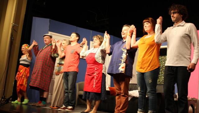 Les acteurs de la Comédie bélâbraise ont été salués par le public blancois.